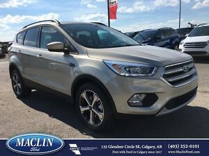2017 Ford Escape SE, Leather, Pano Roof, Backup Camera