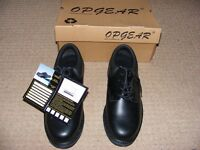Black Safety shoes as new and boxed size 8.5