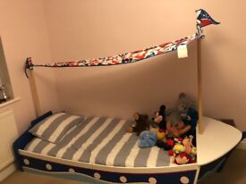 Next Pirate Boat Bed