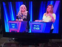 Lowry 32inch TV