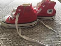Red converse 5