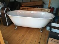 1800 free standing bath brand new