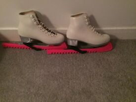 Ice skates size 1