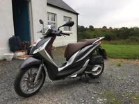 Piaggio Medley 125 scooter (2016) (1757miles)
