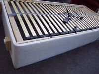 ELECTRIC SINGLE BED BASE ( no mattress ) quite new. Swindon..