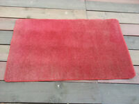 Red mat / carpet 5ft x 3ft