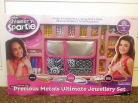 Brand new precious metals ultimate jewellery set