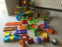 Toot toot animals, tree house, bear cave, track