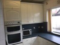 Full Kitchen in white, 17 unit magnet kitchen plus cooker hood, sink, electric hob and oven.