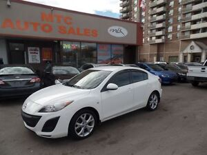 2010 Mazda MAZDA3 Very Clean Car, 2.0L 4 Cylinder Easy on Gas