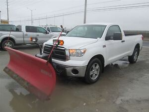 2010 Toyota Tundra 4X4**WITH SNOW PLOW ON IT** 3 YEARS WARRANTY