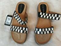 New Bellissimo sandal size 42