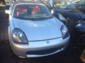 2002 TOYOTA MR2 ROADSTER 1.8 VVTi MANUAL IN SILVER BREAKING FOR PARTS