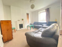 ***DSS WELCOME WITH GUARANTOR*** Spacious 4 bedroom ground floor flat available in Bethnal Green E1