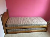 Standard single pine trundle bed + 2 mattresses