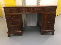 Georgian style mahogany keyhole writing desk ANTIQUE TABLE WOOD DESK LEATHER TOOLED TOP