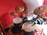 Pearl drum set with symbols