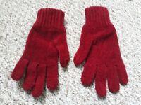 Crimson Gloves (Female)