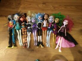 monster high bundle 6 as seen collect Stonehaven, might be able to meet beach area on Sat morning