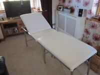 massage /therapy table