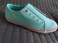 Casual shoes/Sneakers for girl