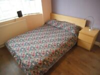 Gorgeous double room in stunning house, professional live-in landlady