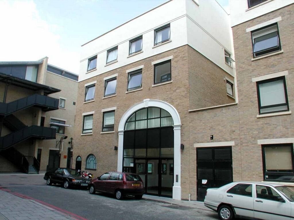 2 bedroom flat in Glassworks, Basing Place, Bethnal Green, E2