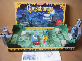 """""""GOOSEBUMPS"""" Terror in the Graveyard game. By Waddingtons 1996. Complete."""
