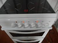 INDESIT CERAMIC 4 PLATE DOUBLE CAVITY COOKER**LIKE NEW**