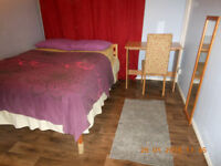 **New Fully furnished double room , Fast Internet, all inclusive available IMMEDIATELY**