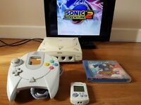 Sega Dreamcast with Controller and leads
