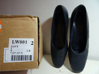 Eseentials Nvy Leather flat shoes size 5