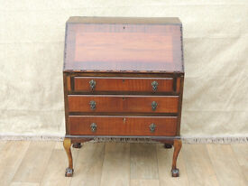 Wooden Vintage unique bureau with claw and ball feet (Delivery)