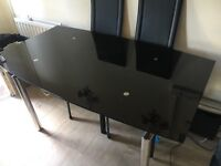 URGENT. Morden extendable dining table with six chairs