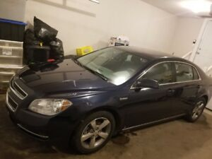 2009 Chevy Malibu Hybrid. New windshield. 184000 kms asking 5800