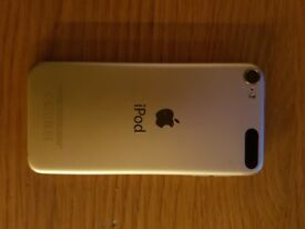 Apple Ipod Touch 6th generation in excellent condition with 32gb capacity