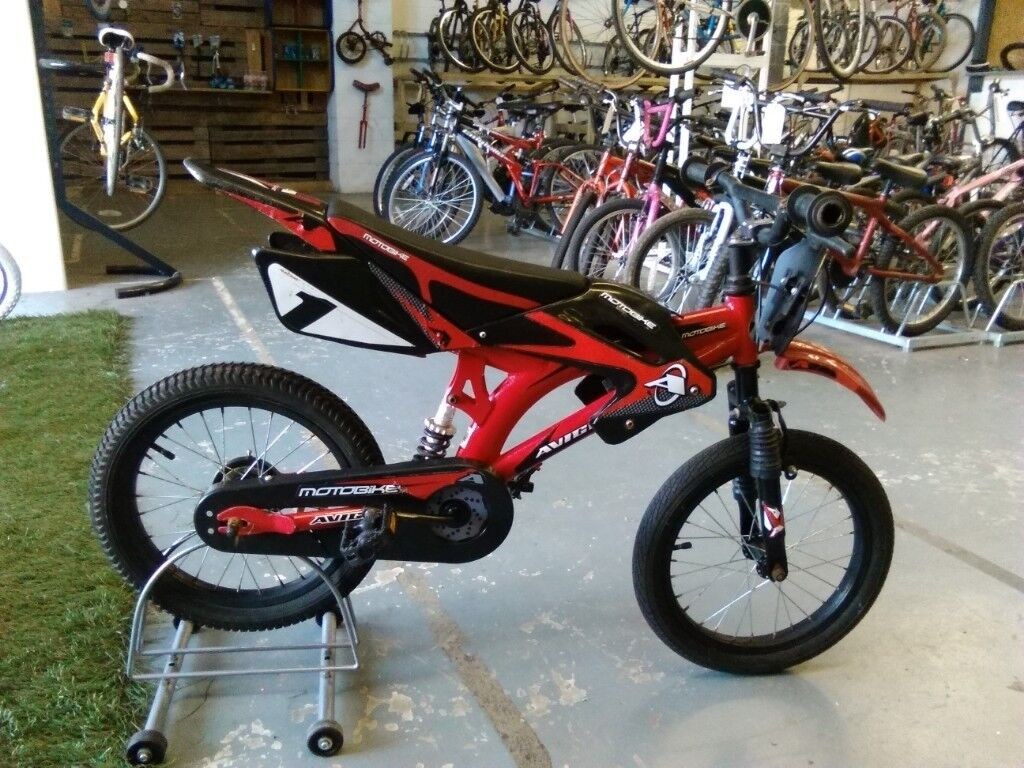 Boys Avigo Motobike Bike 16 Inch Wheels Full