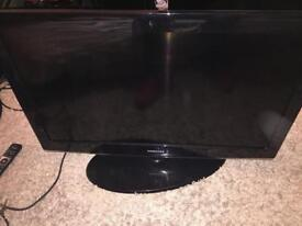 37 inch hd Samsung tv very good condition comes with the remote call or text for more information