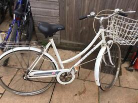 Raleigh Caprice Ladies Town Bike. Good Condition. Free Lock, Lights & Local delivery. Warranty