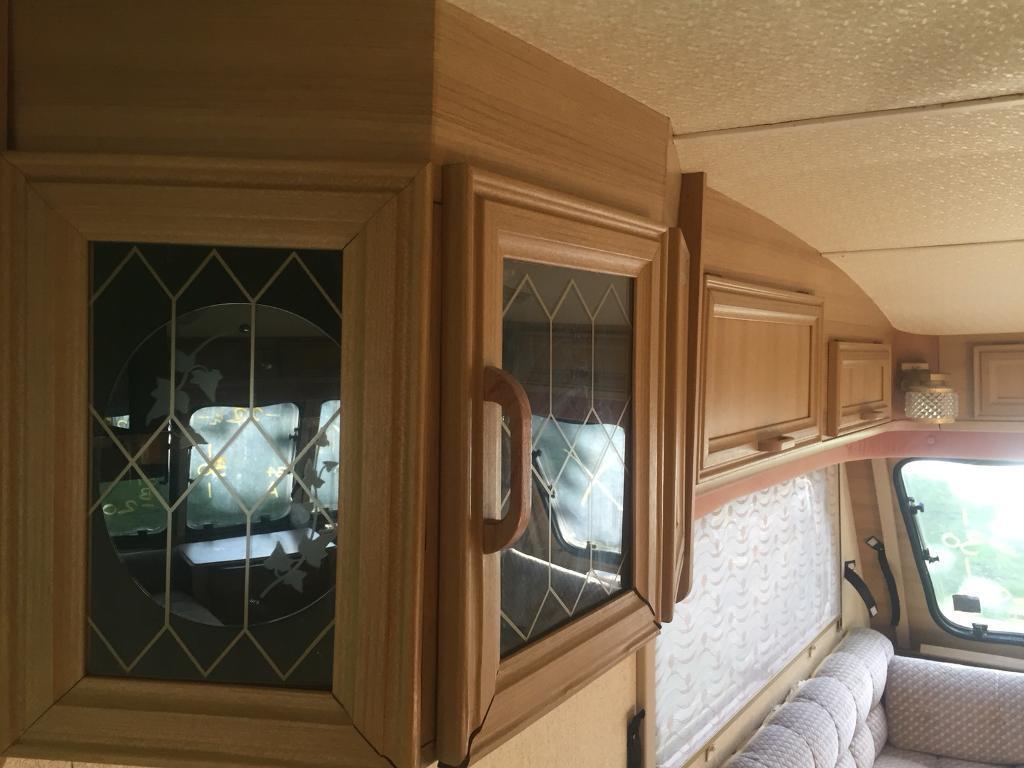 Cupboard door set (34)