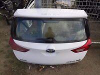 Toyota Auris HB Back tailgate. White. Good condition. Toyota Auris Parts: Engine, Module,Front,Seats