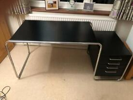 🚚🚚Beautiful Black John Lewis Computer Table For Sale Free Delivery RadiusApply