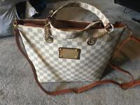 Louis Vuitton ladies shouler bag beige-grey used in good condition £15