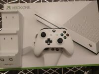 Xbox one with controller, charger, 6 games