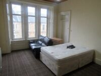 Rooms to rent in 5 bedroom property in Southside