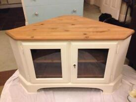 Upcycled ducal corner TV stand