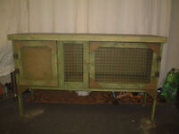 brand new 4ft rabbit /guinea pig hutch in forrest green