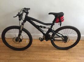 GT Sensor 4.0 2011 Mountain Bike in Near Perfect Condition RRP £1000+