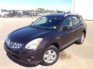 2013 Nissan Rogue AWD-- LOW KMS - Nice color-Gre