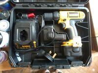 Dewalt battery drill 12v with charger and case